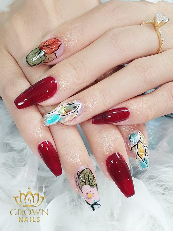 Crown nails