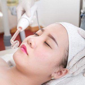 Điều trị mụn tại Spa Huỳnh Thúy