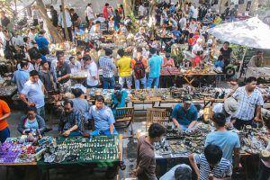 Chợ đồ cổ tại quán cafe Cao Minh là Top 5 địa chỉ mua bán đồ cổ, sưu tầm cổ vật uy tín nhất TP.HCM