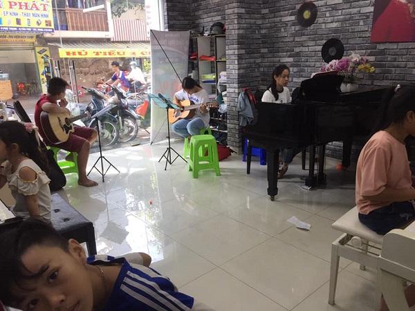 top-5-trung-tam-day-dan-guitar-chuyen-nghiep-nhat-tp-hcm-1