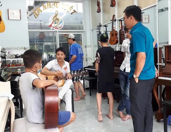 top-5-trung-tam-day-dan-guitar-chuyen-nghiep-nhat-tp-hcm-3